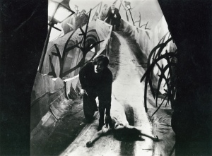 The exaggerated camera work and sets of the German expressionist films, such as The Cabinet of Dr. Caligari was brought to The Cat and the Canary.